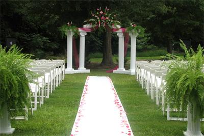 ¿Cómo vestir en una boda celebrada en un jardín?